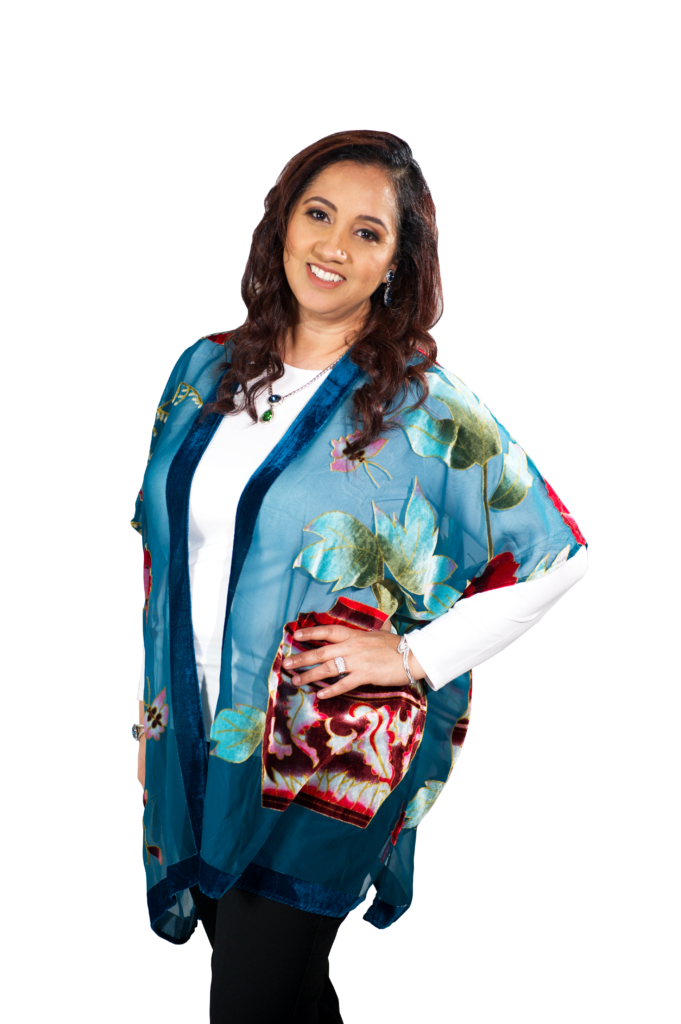 Gagan_hero_in_turquoise_kimono_side_pose
